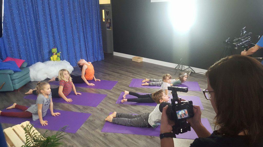 Tournage Circa bouclette yoga