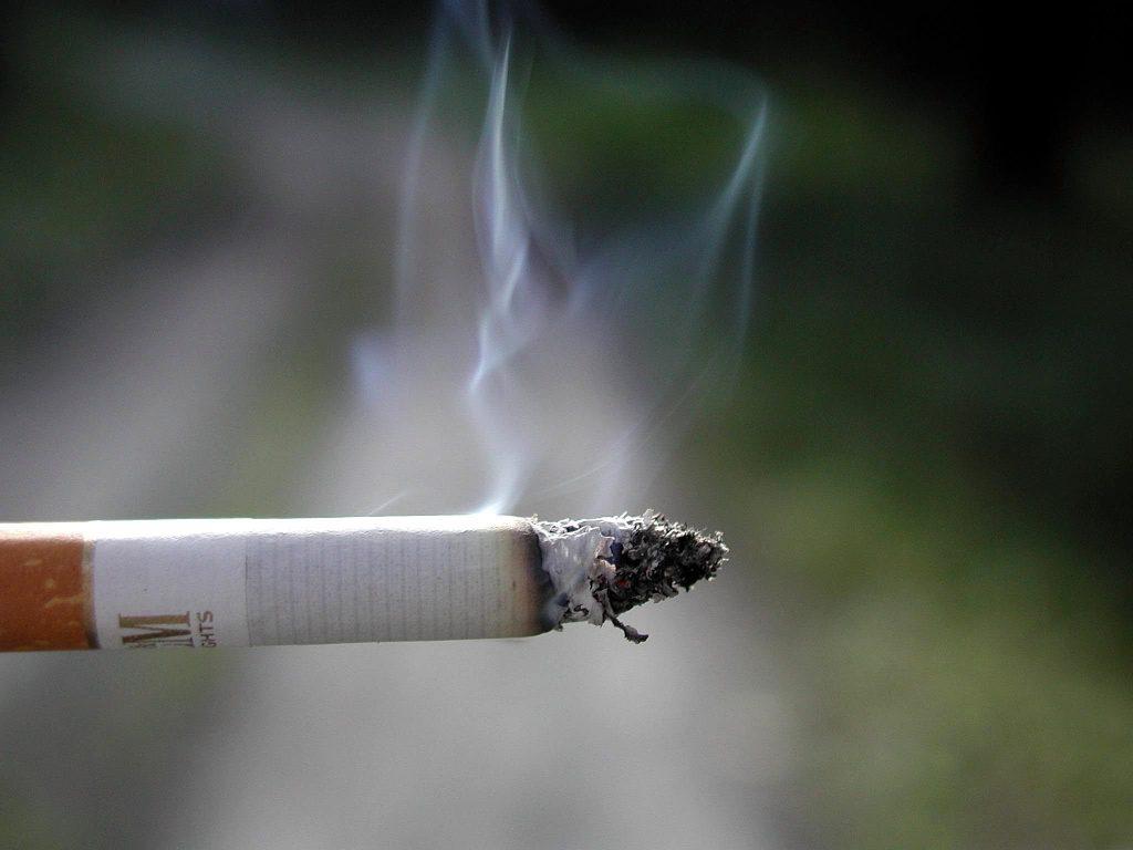 image tabac cigarette crédit Pixnio