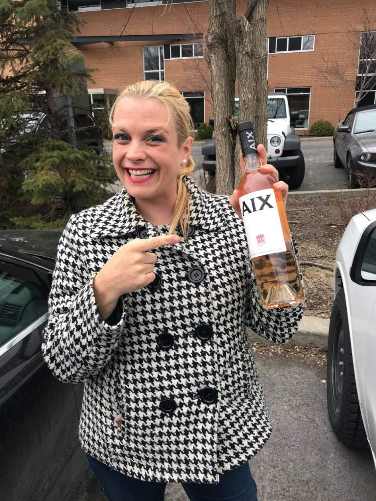 Geneviève et vin rosé