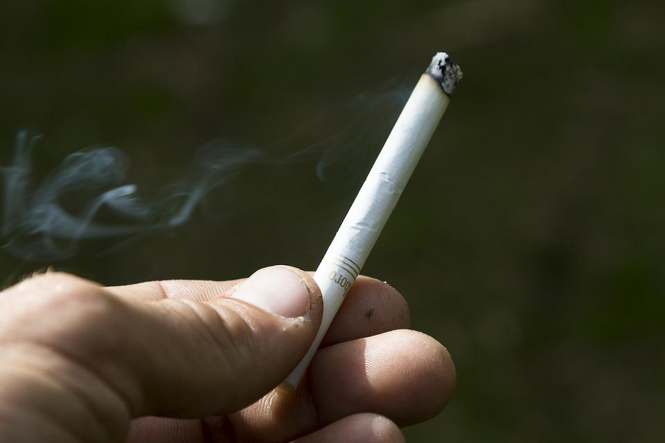 cigarette-3576072_960_720