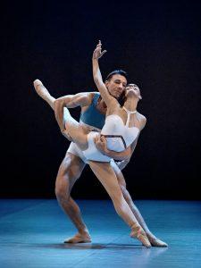 _danser_beethoven_7eme_symphonie_photo_sasha-onyshchenko_danseurs_marcin_-kaczorowski_et_myriam_simonmechaiekh_web-1578416631