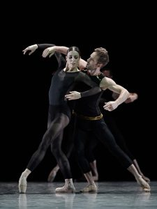 gbcm_danser-beethoven_photo_sasha-onyshchenko_danseurs_raphael-bouchard_maude-sabourin_2019_dsc5474_web-1561669022